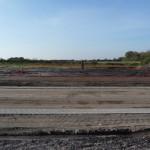 Grobe Grundstücksmarkierung von der Straße aus