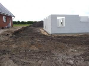 2012-07-03 Grundstück geebnet
