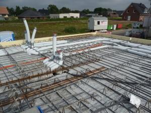 2012-07-05 Helios-Rohre und Deckenkabel werden verlegt