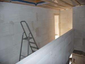 2012-08-17 Innenmauern leider falsch fertig im OG