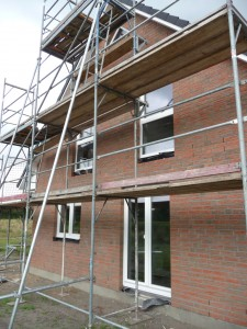 2012-08-21 Fenster eingebaut - aber noch keine Tür