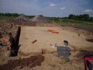 2012-06-15 Fundamentgraben wird ausgehoben