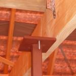 Dieser Stahlträger sitzt so, dass nur 5mm aufliegen - das ist sicher noch nicht fertig