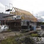 Der Dachstuhl ist gerichtet - nun siehts aus, wie ein Haus :)