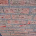 Betonschlieren und Flecken