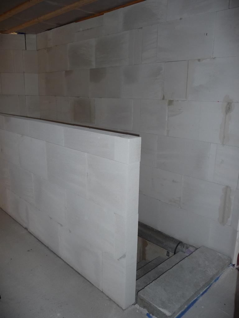 abgemauerte br stung zum treppenaufgang jetzt wird gebaut bautagebuch. Black Bedroom Furniture Sets. Home Design Ideas