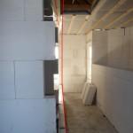 Hier sieht man, dass die neue Wand in dem Loch der Einschubtreppe enden wird