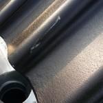 Grobe Kratzer in den Dachpfannen (vergrößert)