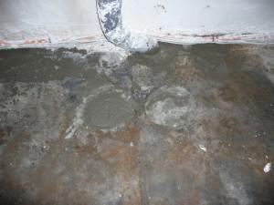 ENDLICH wurden die Abflusslöcher im Boden verschlossen