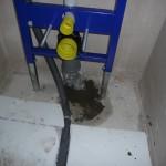 Abflussrohr der Toilette im Gäste-WC ist geschlossen