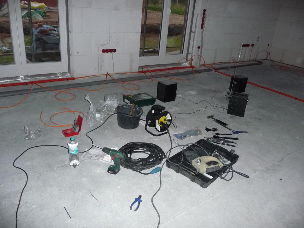 can- und audio-kabel im eg linear an einem stück verlegen | jetzt