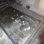 Der Haufen Müll hätte von den Sanitärjungs zusammengefegt werden sollen :-/