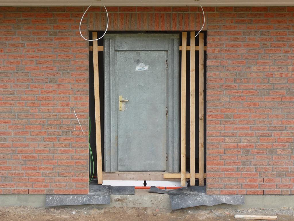 "Die Bautür ist ""solide"" verbaut"