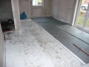Fußbodendämmung in der Küche und im Essbereich (26.09.2012)