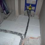 Erste Fußbodendämmung im Gäste-WC (26.09.2012)