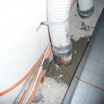 Korrigiertes Lüftungsrohr - hoffentlich ist das nun innen nicht gequetscht oder beschädigt :-/