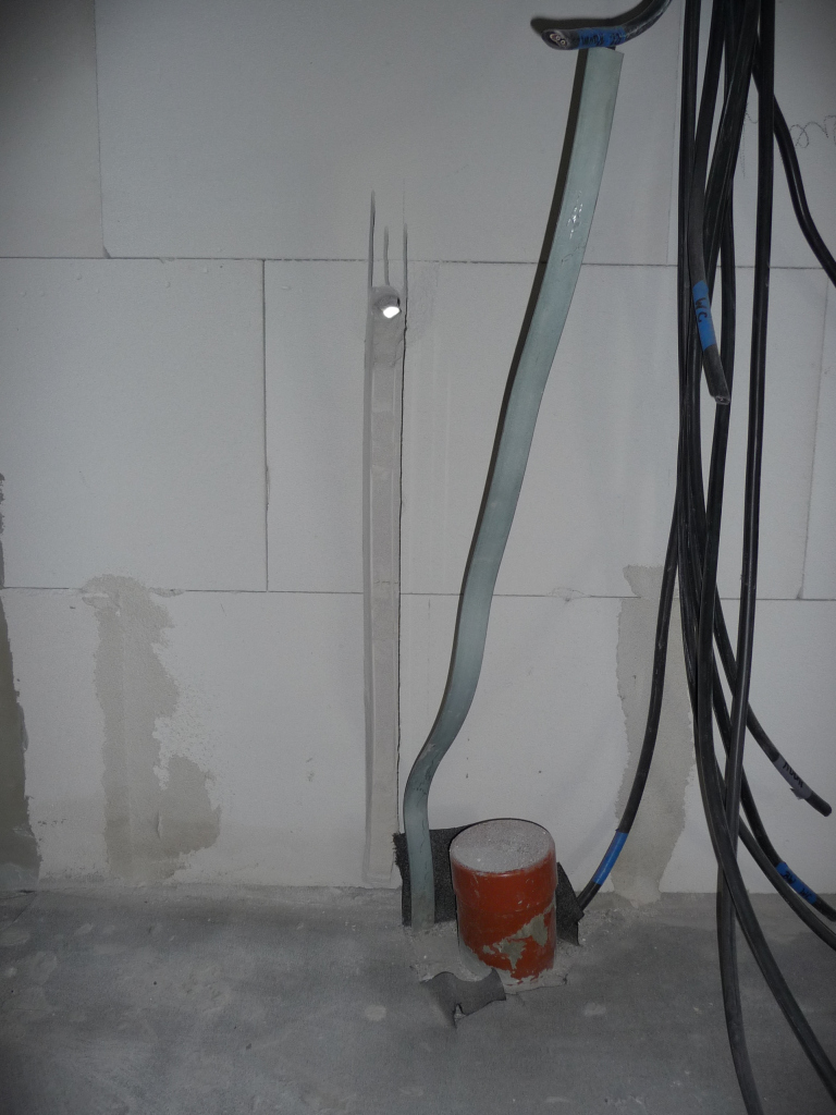 Loch für Außenwasserhahn Ostseite von drinnen