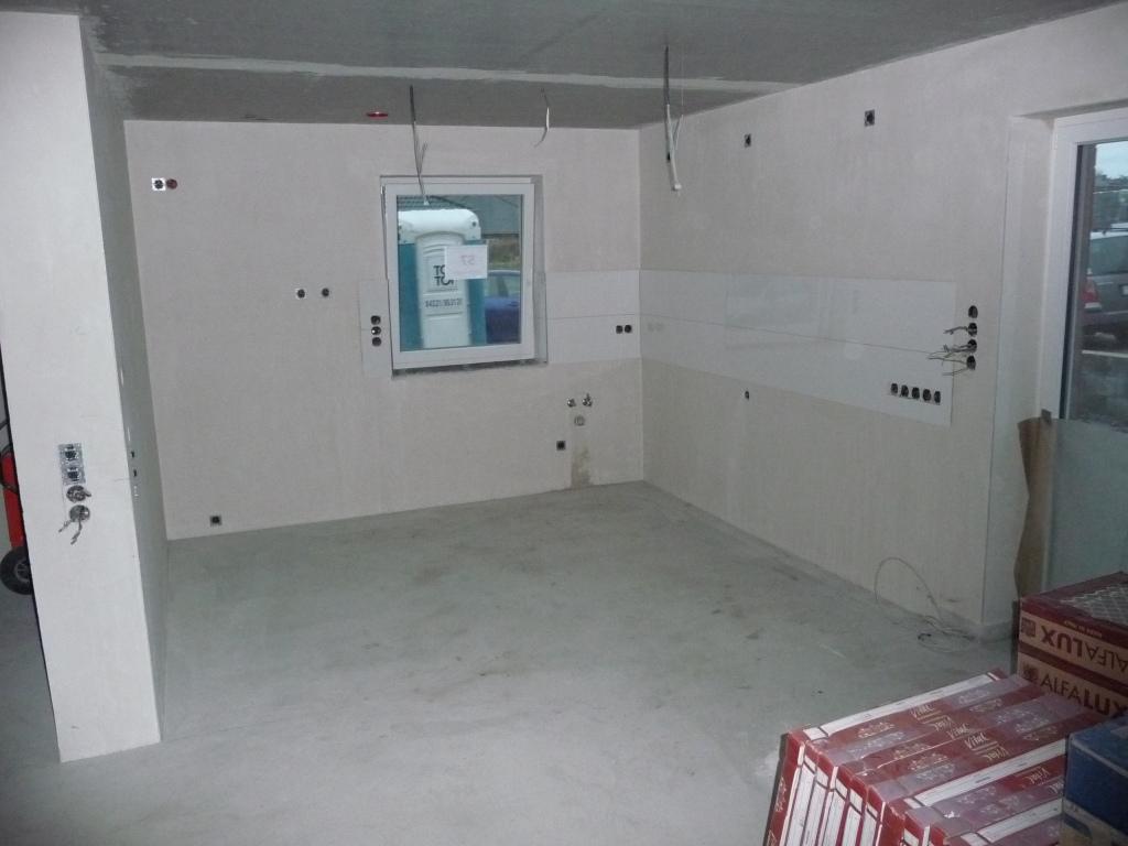 fliesenspiegel in der k che jetzt wird gebaut bautagebuch. Black Bedroom Furniture Sets. Home Design Ideas