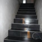 Die Treppe wurde komplett fertig gefliest