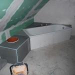 Das gesamte Bad mit neuer Abmauerung
