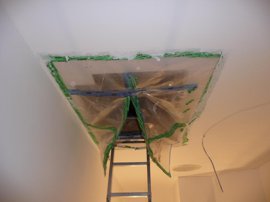 Auf Grund der trockneren Raumluft ein erster Blick auf den Dachboden