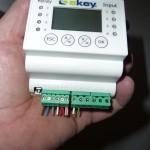 Parallel haben wir unseren Fingerscanner an der eKey REG4-Steuerung angeschlossen