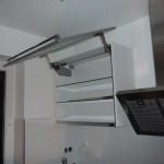Tag 2 - die Küche steht, hier mit geöffnetem Hängeschrank, der zweite ist leider defekt und wird nachgeliefert :-/