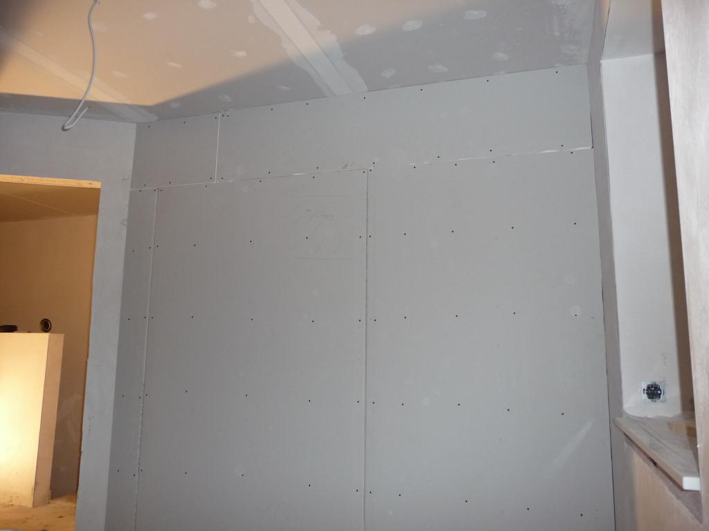 Trennwand zu den Heliosrohren im Schlafzimmer wurde eingezogen