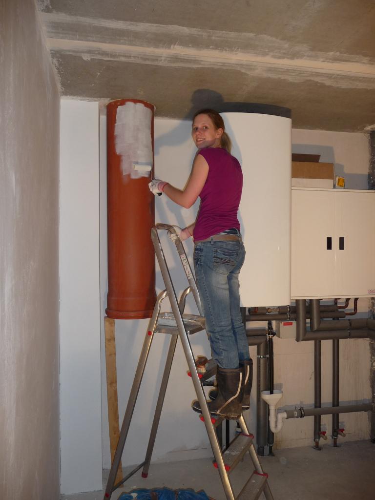 Beliebt Maike grundiert das KG-Rohr aka Wäscheschacht | Jetzt wird gebaut UC16