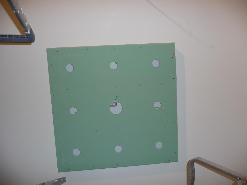 Trockenbaukonstruktion für Lautsprecher und Deckenbeleuchtung in der Küche