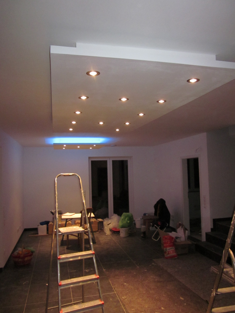 coole deckenbeleuchtung im wohn und essbereich jetzt. Black Bedroom Furniture Sets. Home Design Ideas