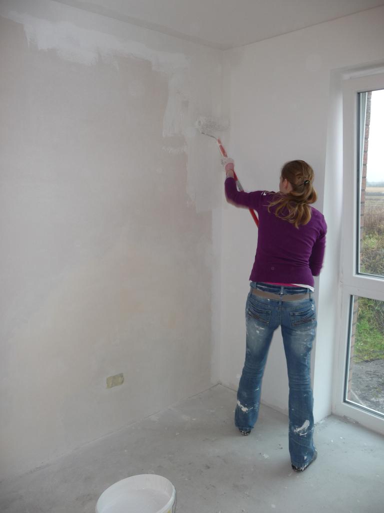 Letzte Wand im Kinderzimmer 2 wird gestrichen