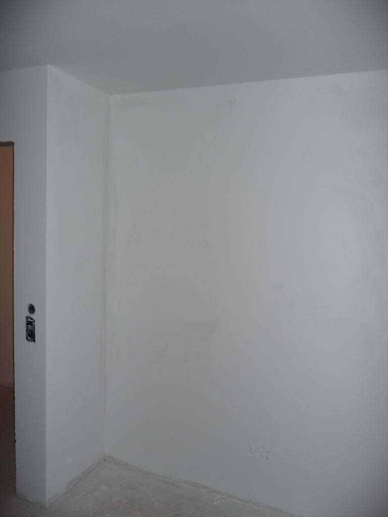 Letzte Wand im Kinderzimmer 2 ist gestrichen