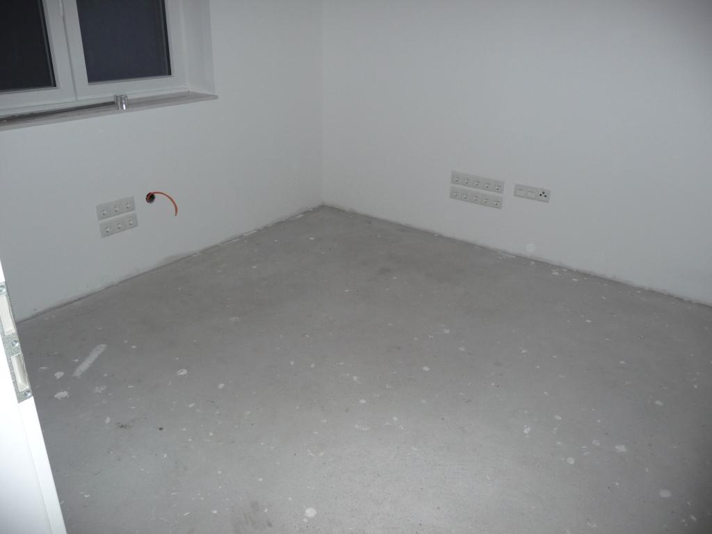 Das freigeräumte Arbeitszimmer fürs Laminat