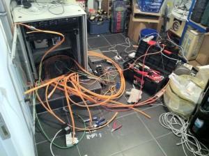 Serverschrank aufräumen, bestücken und patchen