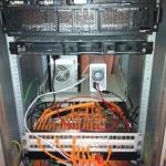 Serverschrank aufräumen, bestücken und patchen und hier fast fertig