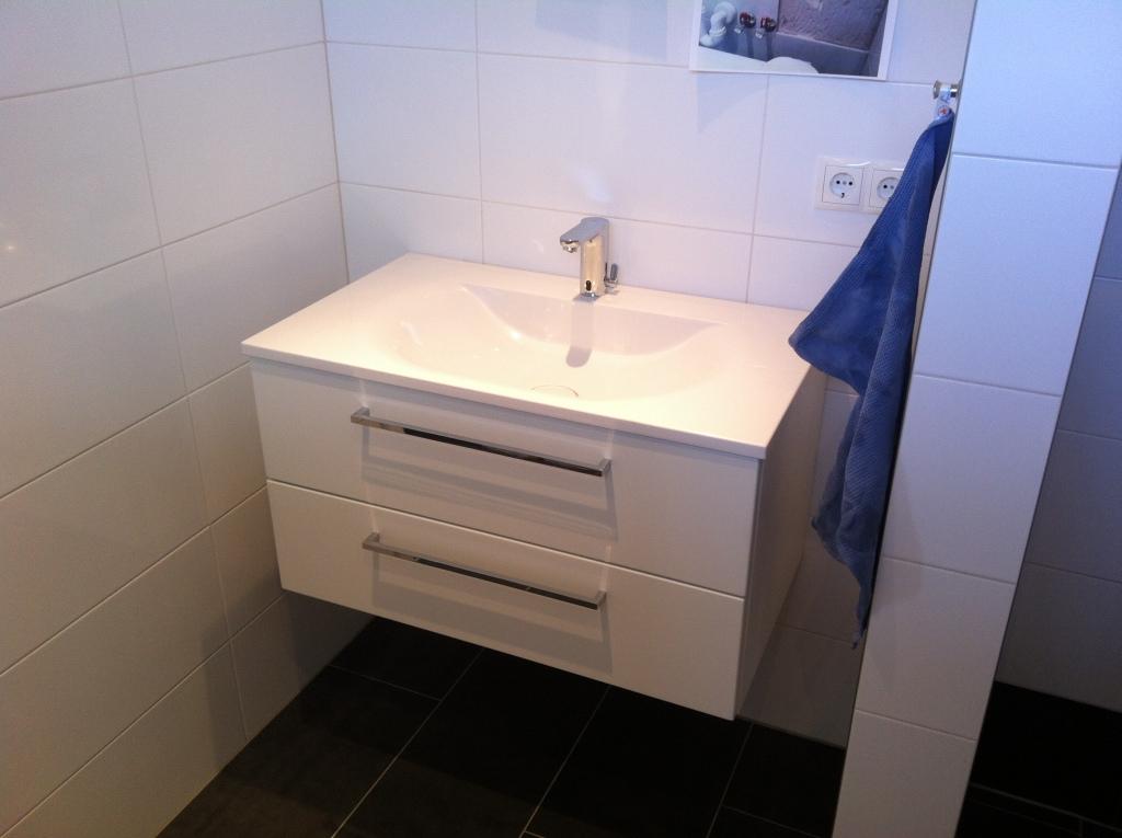 abstand wc wand cheap das bett muss auch noch meter. Black Bedroom Furniture Sets. Home Design Ideas
